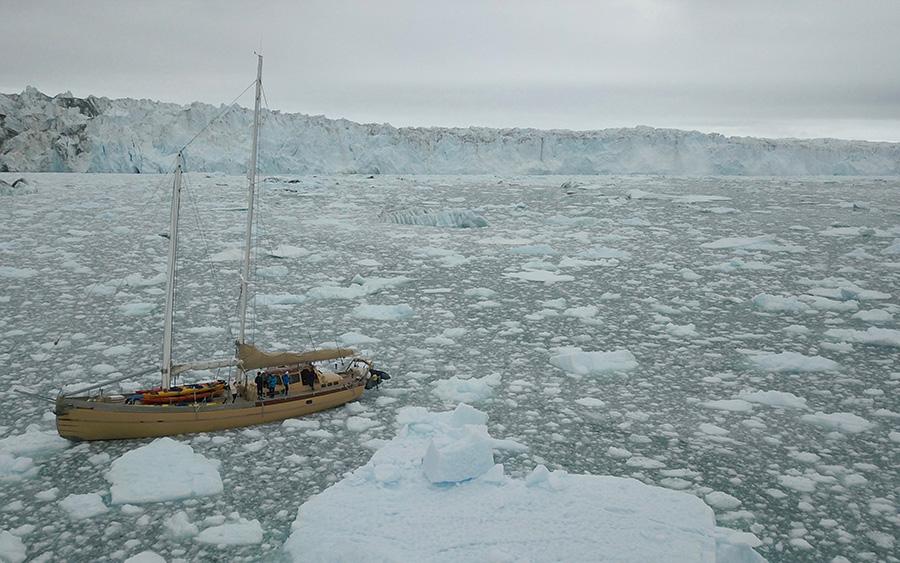 La Louise au milieu des Glaciers
