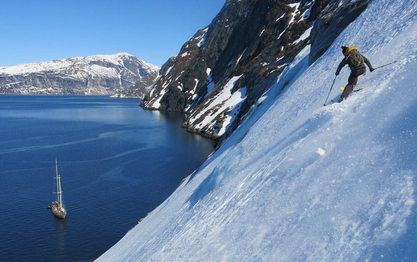 descente en ski vers la Louise